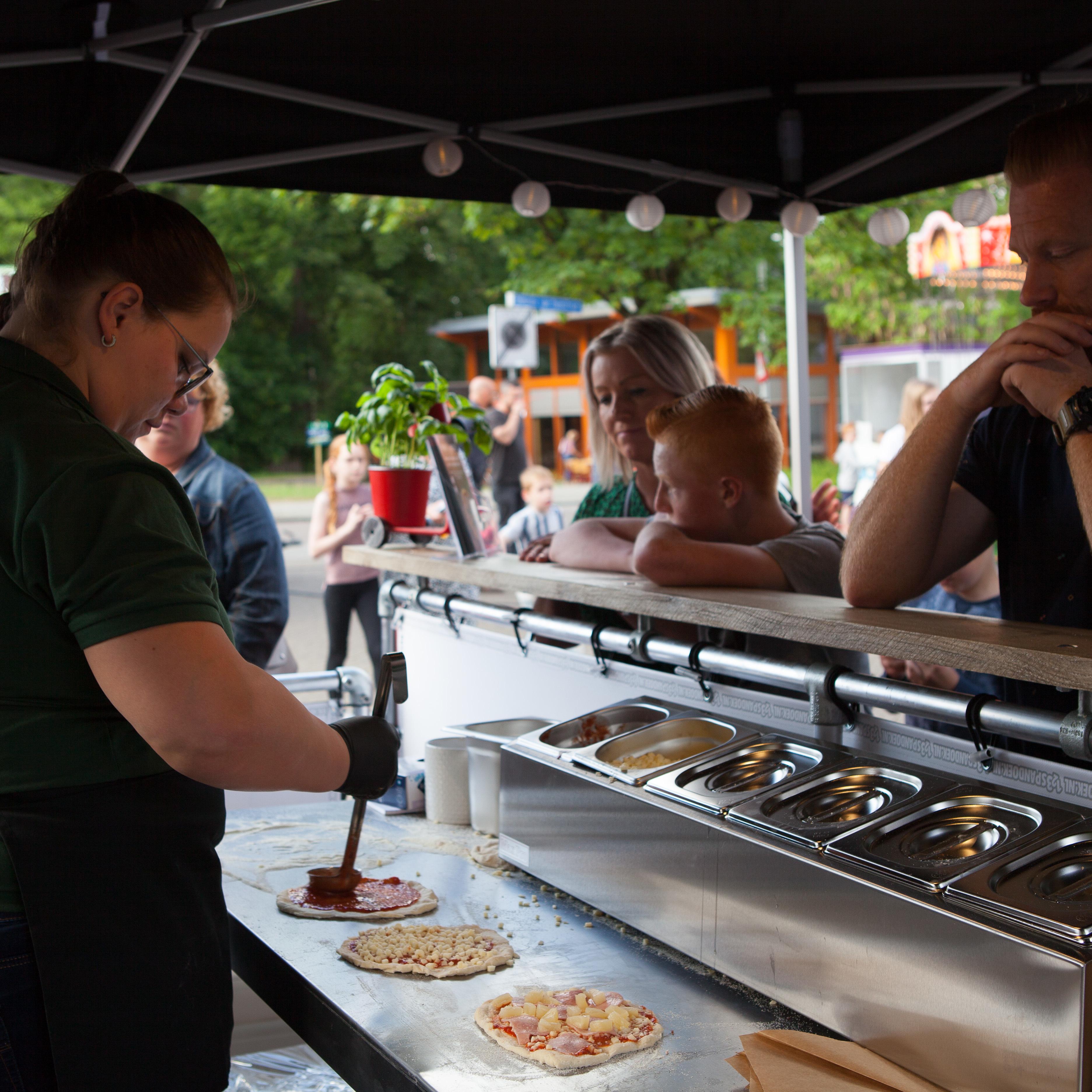 Pizza catering Deluxe pp onbeperkt eten | Foodtruck huren